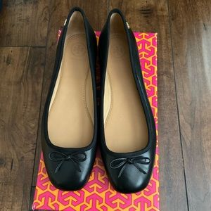Tory burch flats!! New